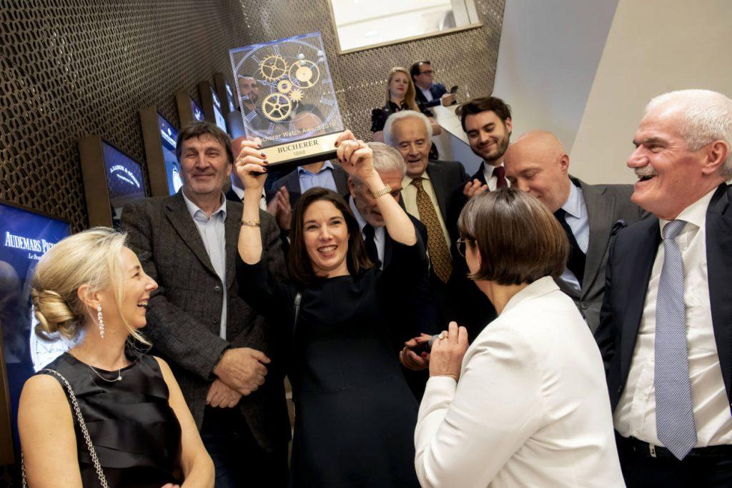 Sophie Garric célébrant la victoire de Jaeger-LeCoultre