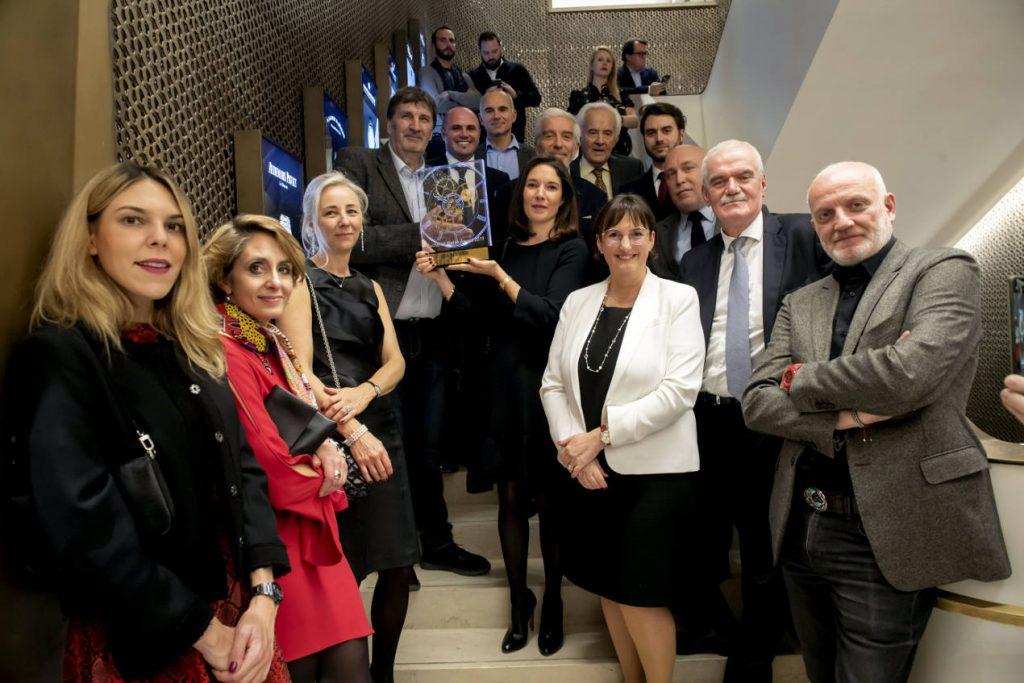 Le jury entourant le vainqueur du 6ème Bucherer Watch Award