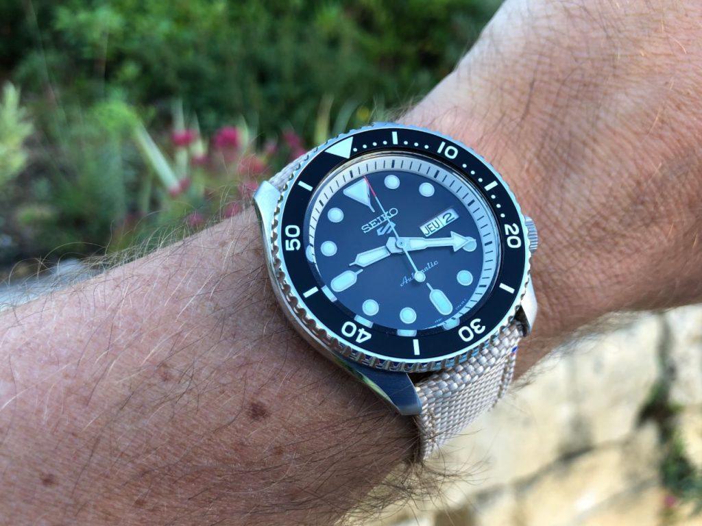 Le rendu de la montre au poignet